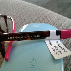 kate spade Accessories - BNWT Authentic Kate Spade Readers (+1)